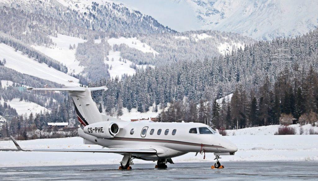aircraft-3020976_1920-min